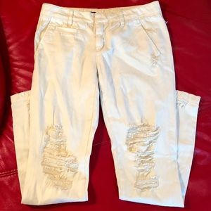 UO BDG Ivory Cream Jeans Ripped Pants Chino Style